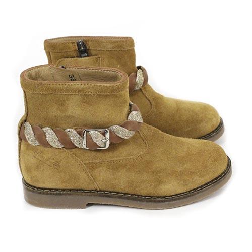 Boots Trip Twist